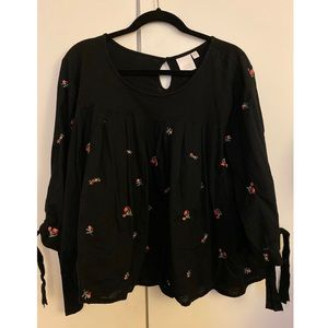 ☀️XXL Black Rose blouse